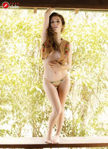 Thays Vita e Thamy Sorel - Revista SEXY de maio de 2015