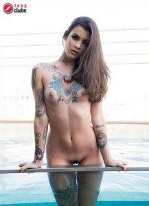 Nany Ferrari - Revista SEXY de agosto de 2015