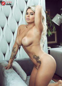 Karol Schwonke - Revista SEXY de novembro de 2015