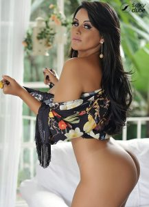 Cláudia Pires - Revista SEXY de Julho de 2016