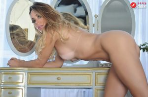 Juliana Isen - Sexy Girls - Sexy clube