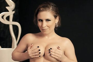 Emme White - Strip - Sexy Clube