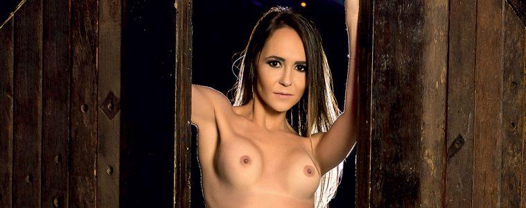 Paola Razambrine - Capas Sexy - Sexy Clube